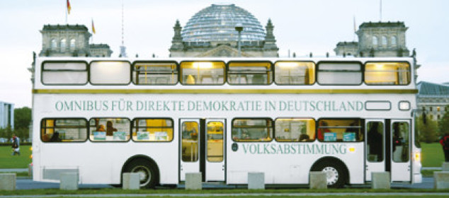 OMNIBUS vor Bundestag in Berlin